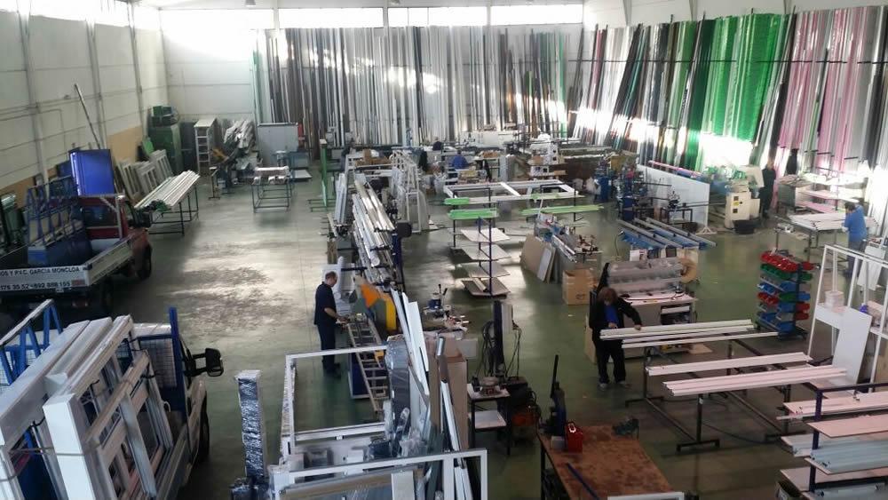 Fabrica de aluminio materiales de construcci n para la for Fabrica de aberturas de aluminio
